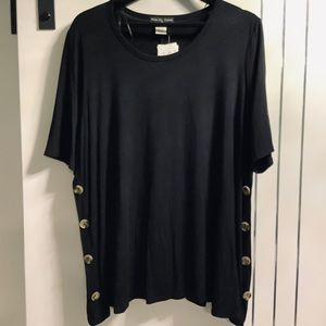 Plus Size 2X loose fitting Tunic, Wood Buttons